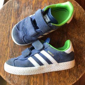 Adidas Gazelle Velcro 9 toddler boys sneakers navy